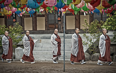 20130519_Korea_Haeinsa_5-monk_Procession-mixed-9516