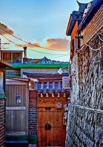 2011-11-20_Seoul_Gyedong_HDR_Alley-