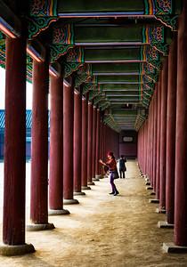 2015-11-05_Gyeongbok-gung_Hallway_HDR-3546-