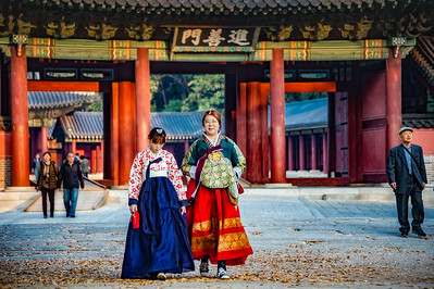 2015-11-03_Biwon_Jinseonmun_Closing_Hanbok_HDR-3225-