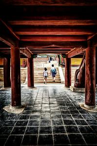 2014-08-07_Naksan-san_UnderBldg_Entrance-HDR-2512