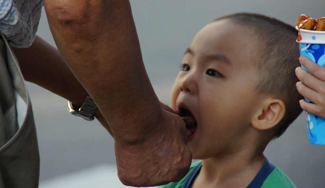 Snack time for this Korean child in Incheon, Korea