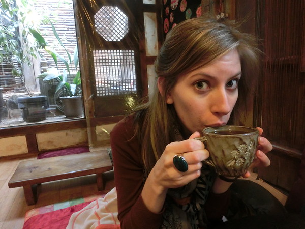 Audrey-at-a-traditional-tea-house-in-Insadong
