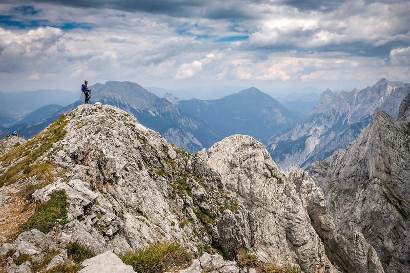 Z vrcholu Sparafeldu je překrásný výhled na vrcholky národního parku Gesäuse