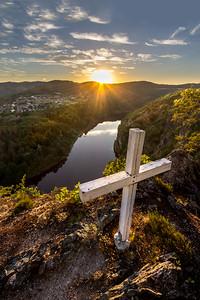 Kříž nad řekou 3