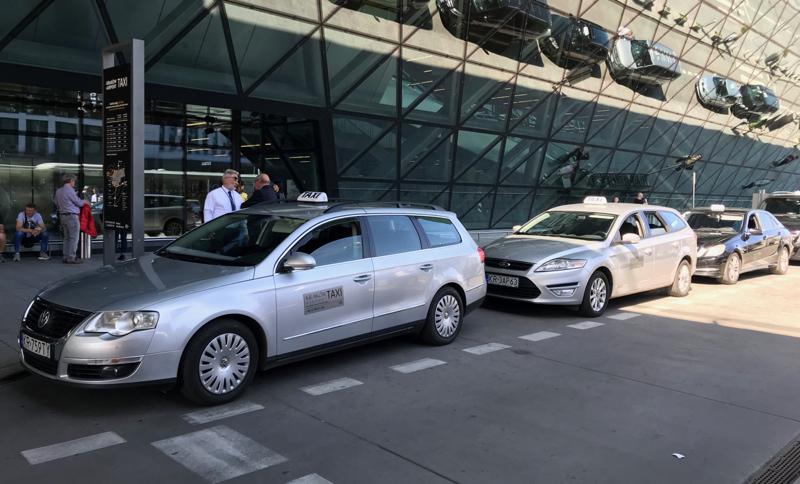 Krakow Airport taxi rank