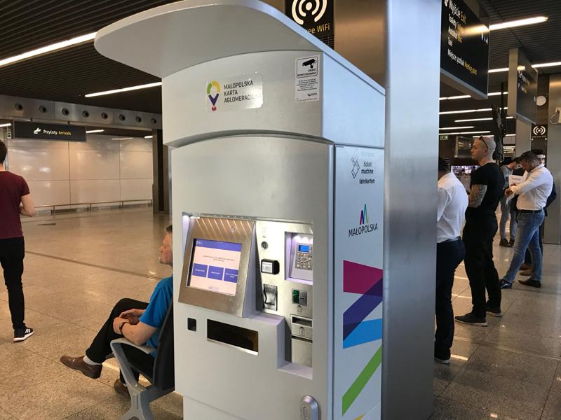 Ticket machine for trains