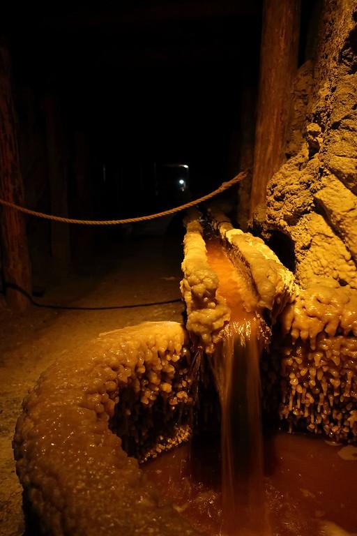 Salt encrusted evapouration process