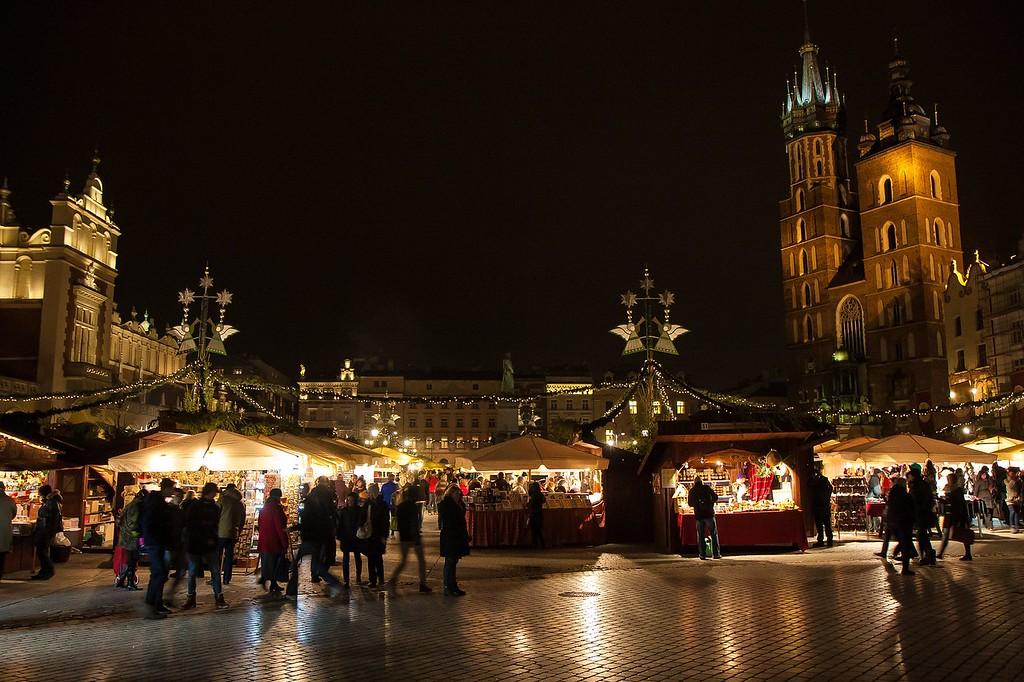 Christmas market, Rynek Główny, Krakow, copyright Garrett Ziegler