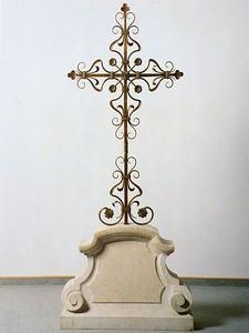 geschmiedetes Bronzekreuz