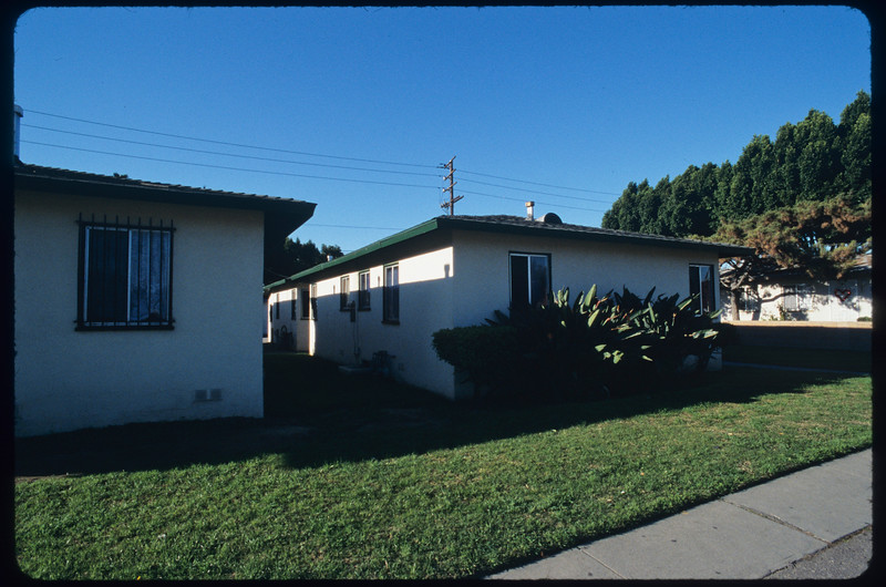 X-igent Printing, block of blockish houses on Fidelia Avenue, Washington Boulevard and surroundings, Commerce, 2005