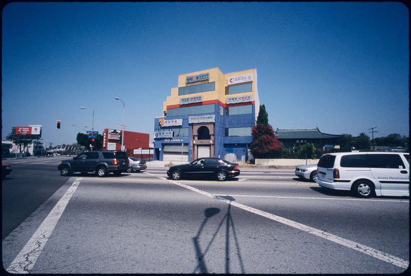 Medical building on Olympic Boulevard and Wilton Place, Los Angeles, 2005