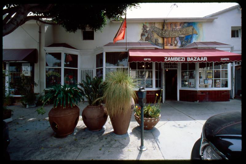 Leimert Plaza shopping, Los Angeles, 2005