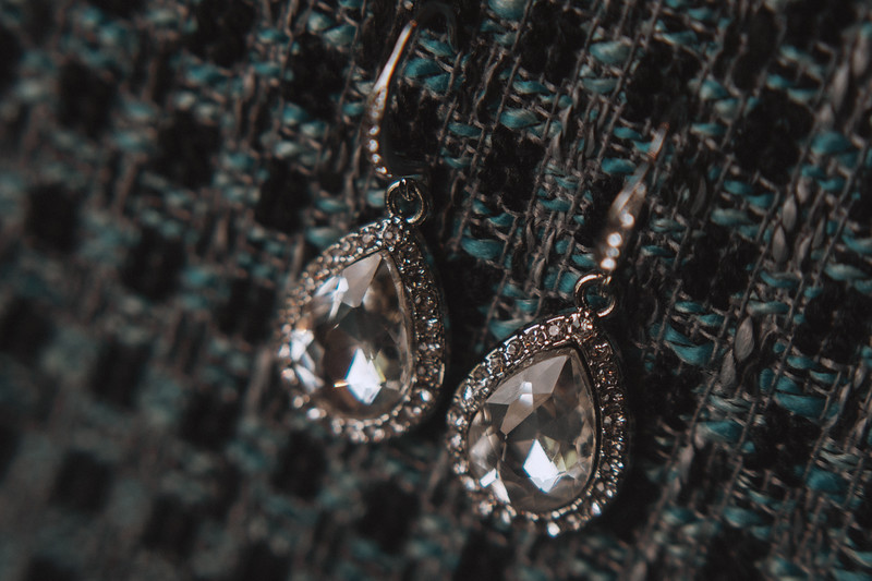 Diamond earings.
