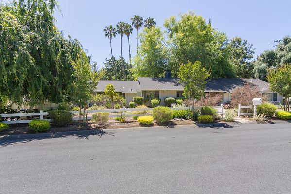 11490 Crestridge Dr, Los Altos Hills, CA