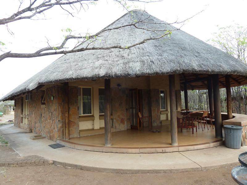 049 Bungalo at Mopani Camp