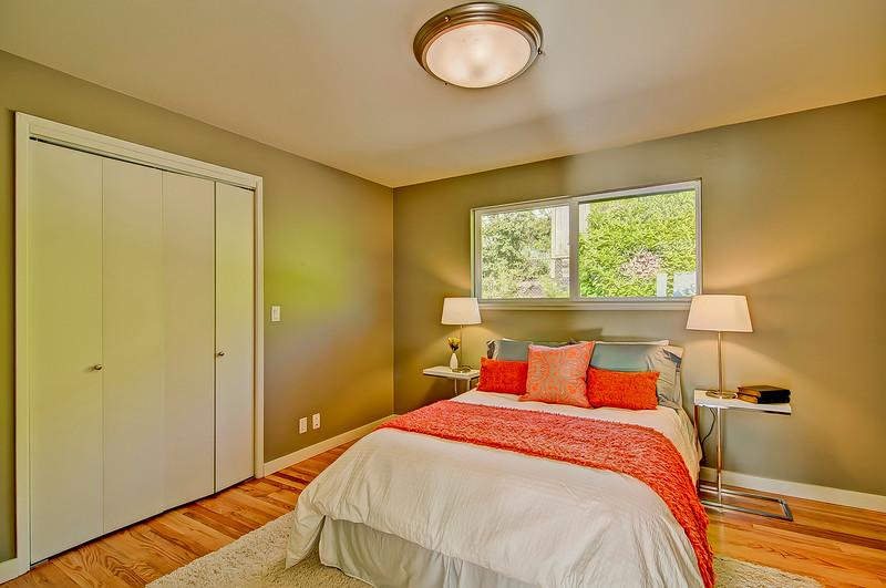 bedroom 1 up