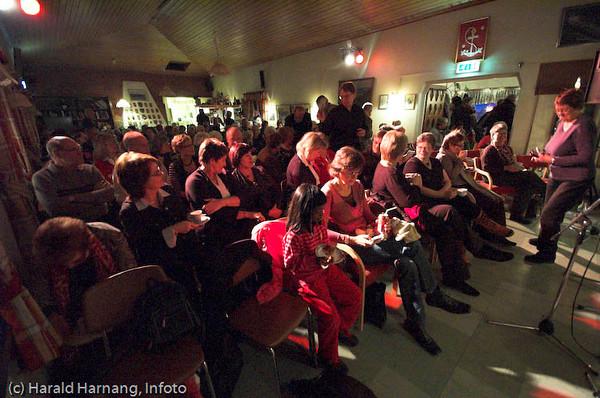Sjømannskirka, stappende full. Narvik Tradbands CD-lanseringskonsert i desember 2007.