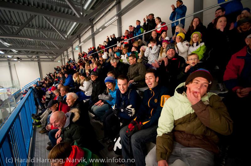 Da Tromsø-keeperen var uheldig og surret inn mål nr 10 ble det liv i publikum. Kamp Nordkraft Arena, Narvik, 26. november 2011. Narvik vant 17-2.