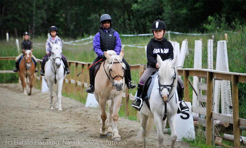 Trav. Rideleir Skjomdalen 22.-27. juli 2012. Avslutningsoppvisning for foreldre.