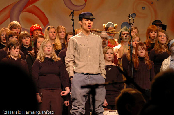 Åpningsshow, VU 2005: Pippi, Emil og alle dyrene i Hakkebakkeskogen.