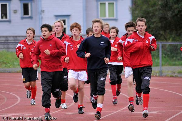 Fotballtrening på Narvik Stadion.