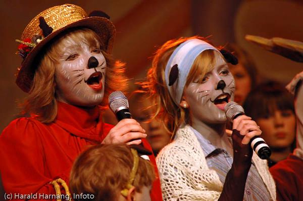 VU-barne-forestilling på Folkets Hus, VU 2005: Pippi, Emil og de andre dyrene i Hakkebakkeskogen.