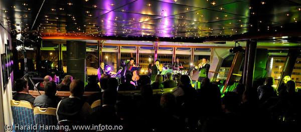 Hovedøen Social Club: Norske sangskatter og cubanske rytmer. Ombord på MS Nordlys, VU09.