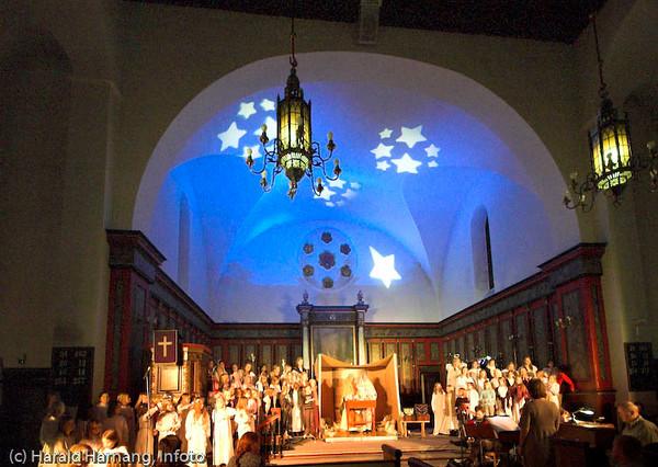 "Forestillingen ""Like til Betlehem"", Narvik skolekor med forsterkning og band. Dirigent Marit Solli. Foto fra Narvik kirke 13. desember 2007."