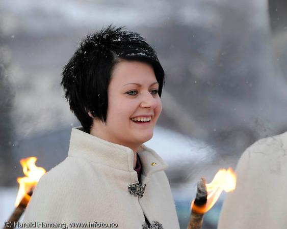 Jenna Nalli fra Tornio i Finland ble 21.03.2009 utnevnt til Svarta Bjørn 2009. Bilde er fra bekransningen av Svarta Bjørn-statuen noen dager tidligere.