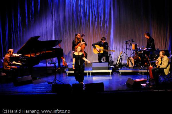 Folkets Hus, konsert med Kristin Asbjørnsen m/band.
