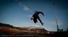 5.5.2011: Friidrettstrening på Narvik Stadion. Sol, +8 grader og øverst i fjellet kjører slalomgjenget fortsatt på ski.