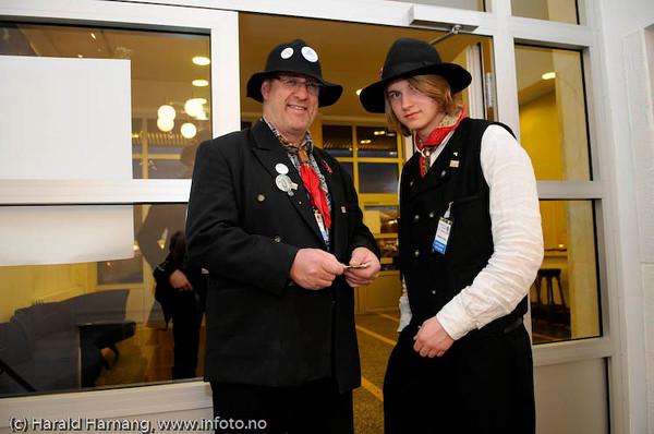 Billettkontroll i døra, frivillige. Fra konsert på Folkets Hus m Kristin Asbjørnsen  og band, VU 2009.