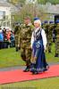 Kongen og ordfører forlater arrangementet. Arrangement i forb m Kong Haralds kransnedleggelse på det nasjonale frihetsmonumentet i Narvik 15. juni 2009.
