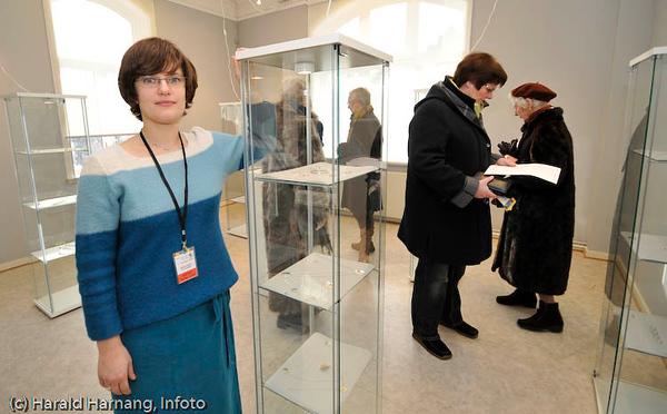 Vinterfestuka 2008. Sabine Seifert var årets VU-kunstner, og stilte ut sølvsmykker og smykkekunst i Ofoten Museum. Seifert er opprinnelig fra Tyskland, men bor og arbeider i Svolvær.