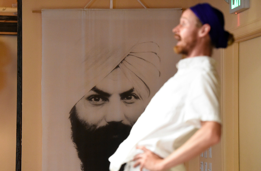 . Instructor Eric Gurmukh Klema leads his class in a Kundalini yoga and meditation class on Monday at Raj Yoga and Meditation in Boulder. For more photos of the class go to dailycamera.com Jeremy Papasso/ Staff Photographer 07/02/2018