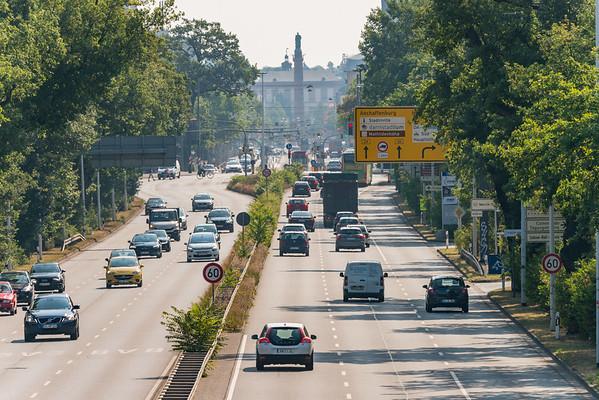 Rheinstraße (Höhe Eifelring) stadteinwärts in Richtung Osten