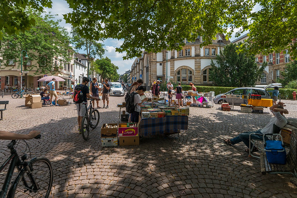 Bücherflohmarkt auf dem Kantplatz, Darmstadt