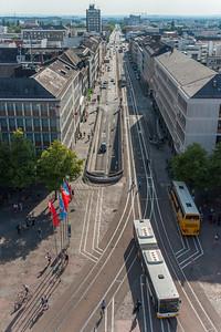 Blick vom Langen Ludwig nach Westen, die Rheinstraße runter