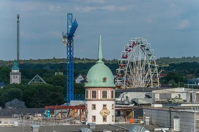 Blick vom Langen Ludwig nach Osten zum Weißen Turm (Heinerfest)
