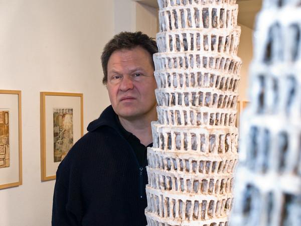Ausstellung Klaus Hack, Babel - Turm und Figur