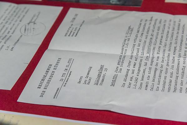 """Vernissage """"Meteor, Ikone und Vergitterung - Hommage an den Bauhaus-Künstler Leo Grewenig (Malerei der 1960er Jahre) und Raumzeichen - Stabskulpturen von Astrid Lincke-Zukunft (Transparenz und Geometrie)"""", Galerie Netuschil Darmstadt, 27. Januar 2019 (Foto: Christoph Rau)"""