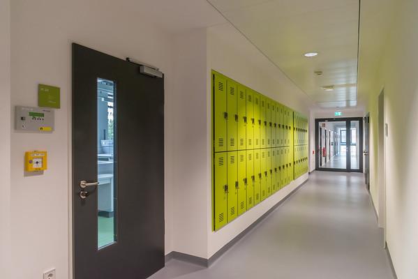 Neubau Chemie- und Biotechnologie der Hochschule Darmstadt (CuB), Laborflur (Foto: Christoph Rau)