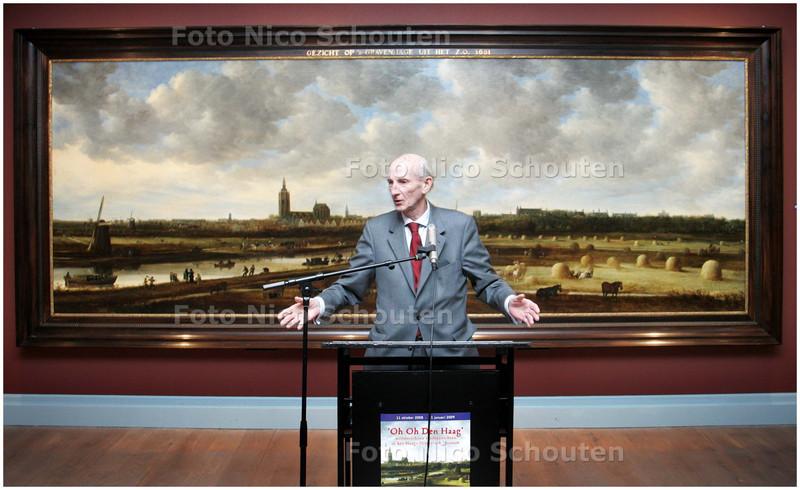 AD/HC - John Hoogsteder opent expositie, geeft uitleg bij mega-schilderij in het haags historisch museum - DEN HAAG 10 OKTOBER 2008 - FOTO NICO SCHOUTEN