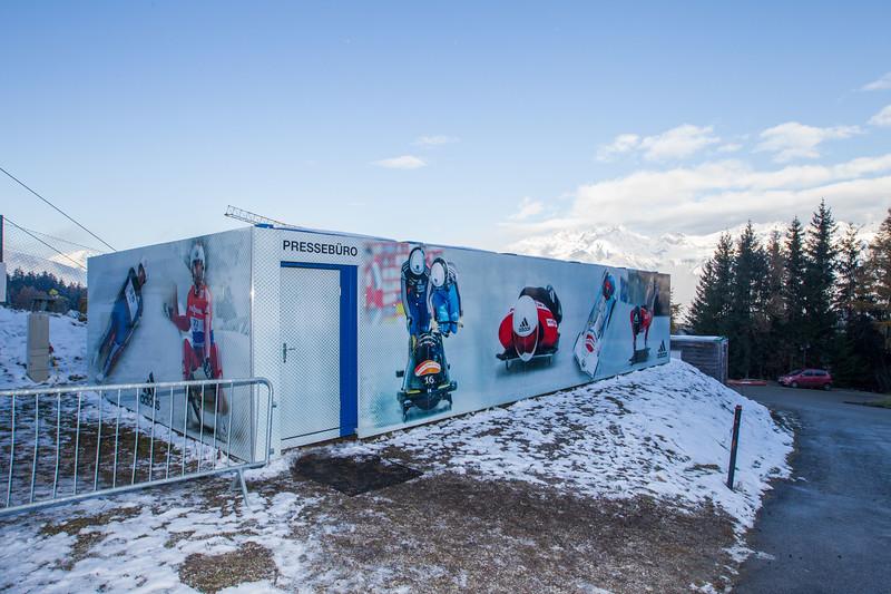 Fotograf: kristen-images.com / Michael Kristen // 18.11.2017 / Bobbahn Innsbruck-Igls / Rodeln / Rennrodel Weltcup - WC 2017 / Kunstbahnrodeln / Bild: Pressebüro, Pressezentrum im Auslauf