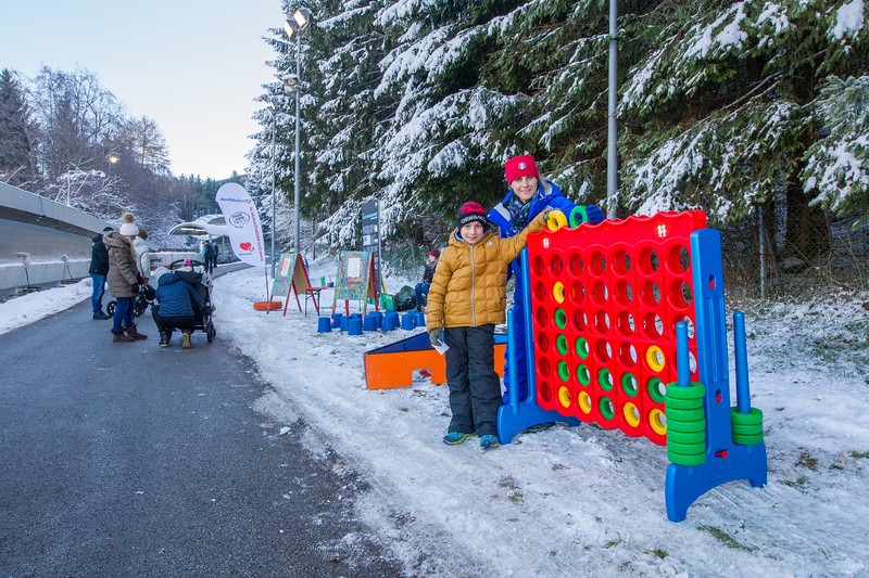 Fotograf: kristen-images.com / Michael Kristen // 18.11.2017 / Bobbahn Innsbruck-Igls / Rodeln / Rennrodel Weltcup - WC 2017 / Kunstbahnrodeln / Bild: Kinderspielstation