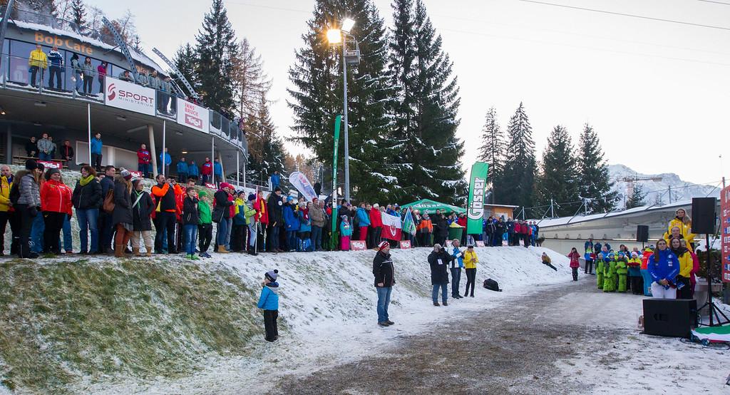 Fotograf: kristen-images.com / Michael Kristen // 18.11.2017 / Bobbahn Innsbruck-Igls / Rodeln / Rennrodel Weltcup - WC 2017 / Kunstbahnrodeln / Bild: Siegerehrung / Preisverleih