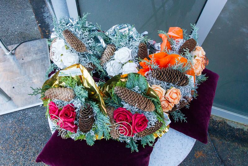 Fotograf: kristen-images.com / Michael Kristen // 18.11.2017 / Bobbahn Innsbruck-Igls / Rodeln / Rennrodel Weltcup - WC 2017 / Kunstbahnrodeln / Bild: Flower-Zeremonie, Doppelsitzer
