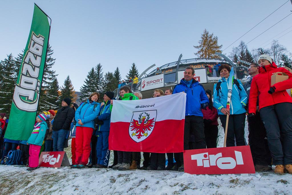 Fotograf: kristen-images.com / Michael Kristen // 18.11.2017 / Bobbahn Innsbruck-Igls / Rodeln / Rennrodel Weltcup - WC 2017 / Kunstbahnrodeln / Bild: Siegerehrung / Preisverleihung