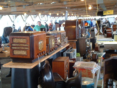 """The """"Waves"""" of NYC booth- I bought a 12 tube Airline Moviedial console from them"""